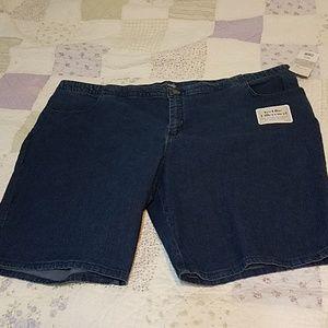 Lee Riders Bermuda jean shorts nwt size 26W M
